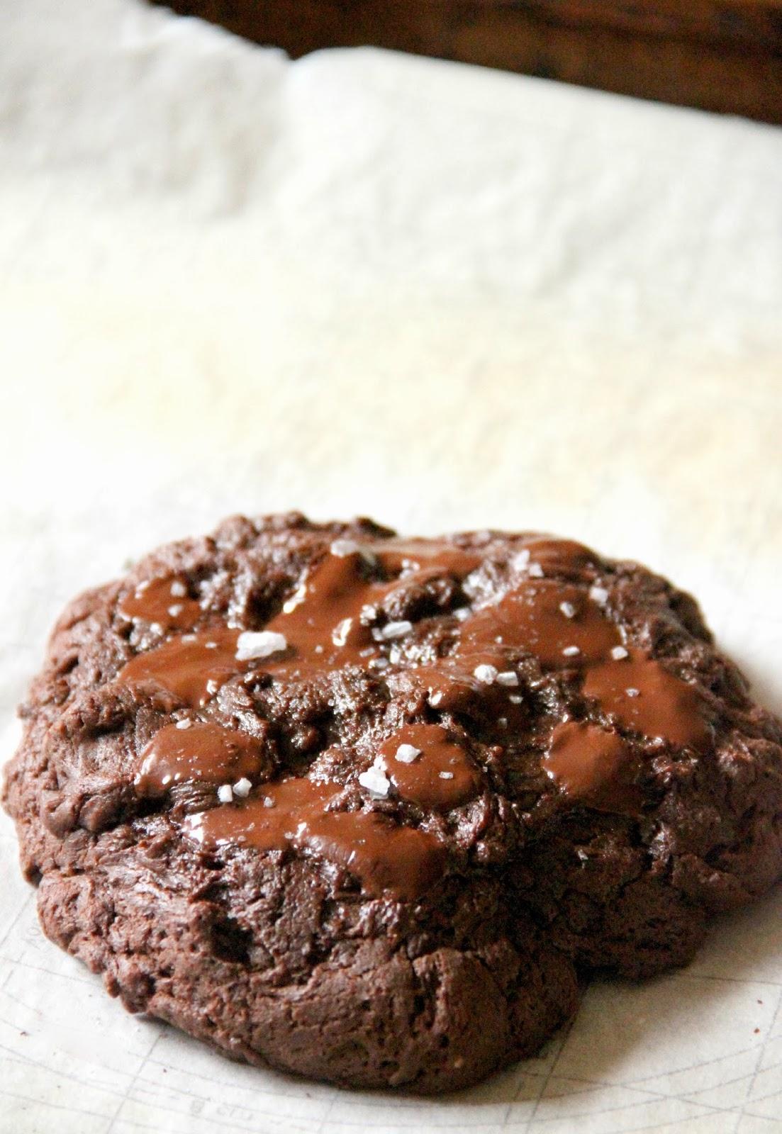 My Happy Place: XXL dark chocolate & sea salt brownie cookie