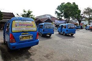 Angkot ADL biru