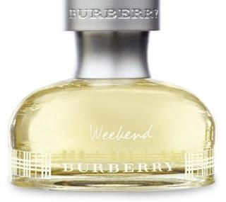 Burberry Weekend For Women çiçeksi kokusuyla çekiciliğini her yerde belli ediyor. Zarif, ferah ve etkileyici.  Bu parfümü her zaman kullanabilirsiniz kokusu kalıcı ve hem yaz aylarında hemde kış aylarında bence her tende güzel duran bir kokuya sahip.Kısacası benim favori parfümüm diyebilirim.