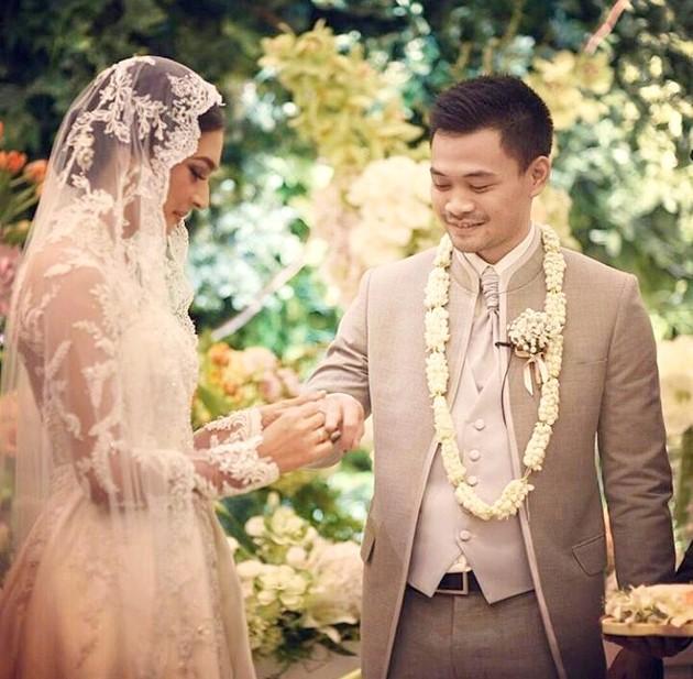 foto Pernikahan Nabila Syakieb dan Reshwara