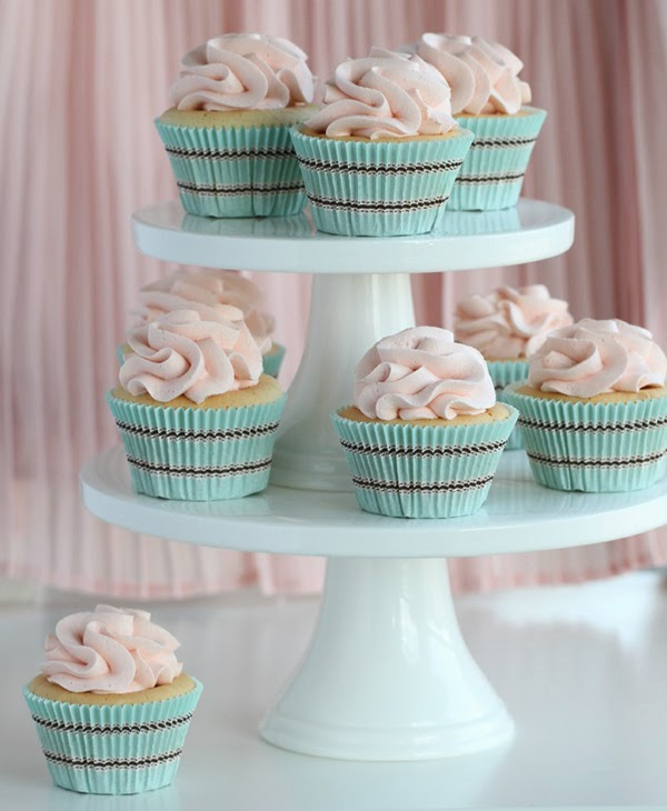 Pretty pink and teal cupcakes and perfect food photography ideas - Retro Pastel Kitchen Colors That'll Make You Squeal!