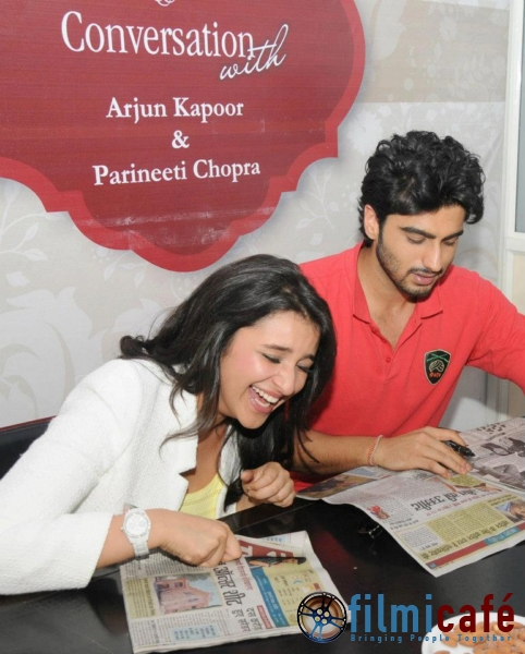 Parineeti chopra laughing - (5) - Parineeti chopra at patrika group