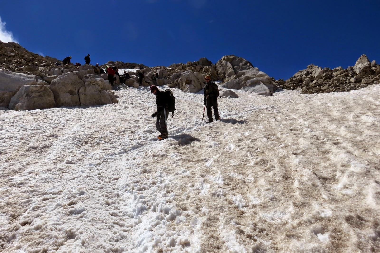 Descendiendo del Pico Aneto hacia Collado de Coronas