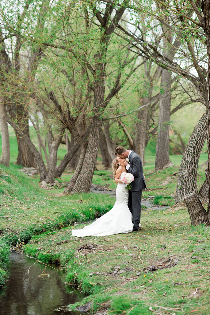 spring wedding in Montana