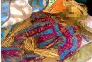 Anak Paling Durhaka, Tidak Tahu Ibunya Telah Menjadi Tulang di Kamar Sebelah