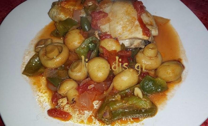 Κοτόπουλο κοκκινιστο( κατσιατόρε)