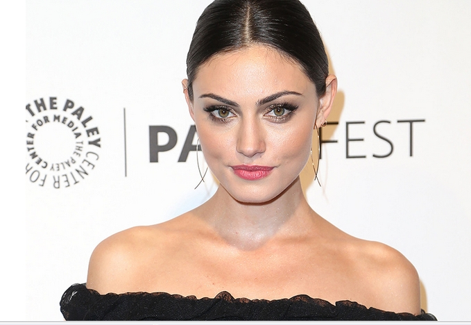 Makeup Of The Day   Phoebe Tonkin With Gold Dust On Eyes-Nylong Mag