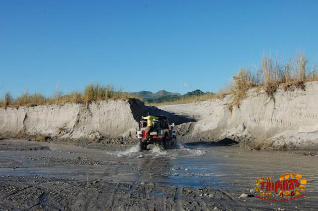 riding a 4x4 on pinatubo canyon