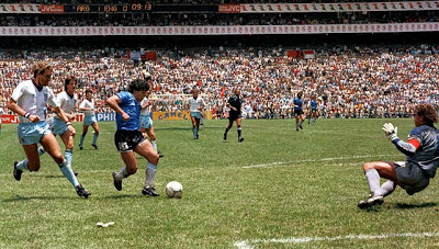 El instante decisivo del mejor gol del siglo XX