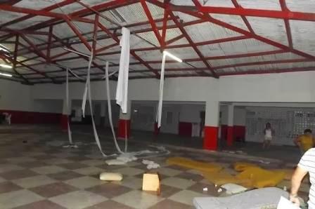 Vandalismo [Vândalos atacam sede do Centro Limoeirense e quebram tudo]