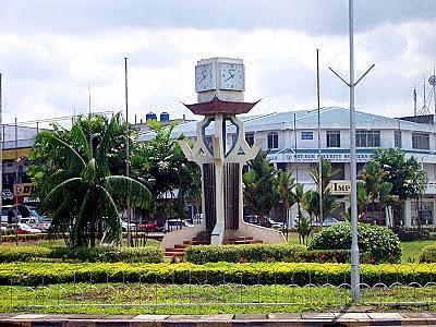 Menara Jam Bulatan Titingan di Tawau Sabah
