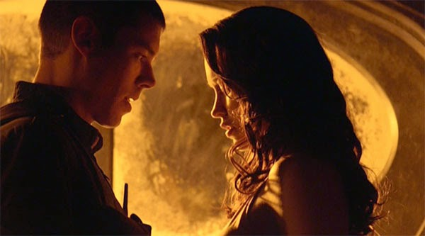 "Scott and Chloe share a moment in SGU's ""Light"""