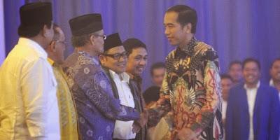 Ini Alasan Jokowi Salam Hormat Kepada Prabowo Saat Rakornas PAN