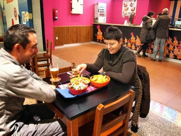 Clientes de la Franquicia Fast Food Nachos Tomasa