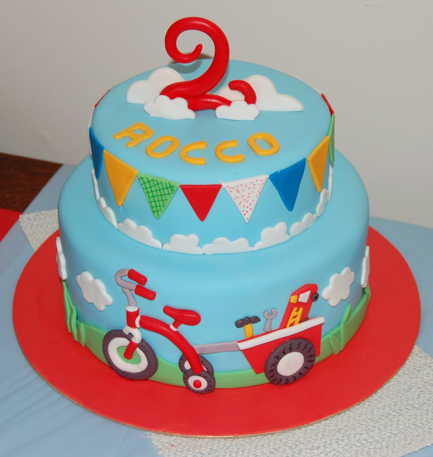 Butter hearts sugar tricycle birthday cake Gateau anniversaire garcon