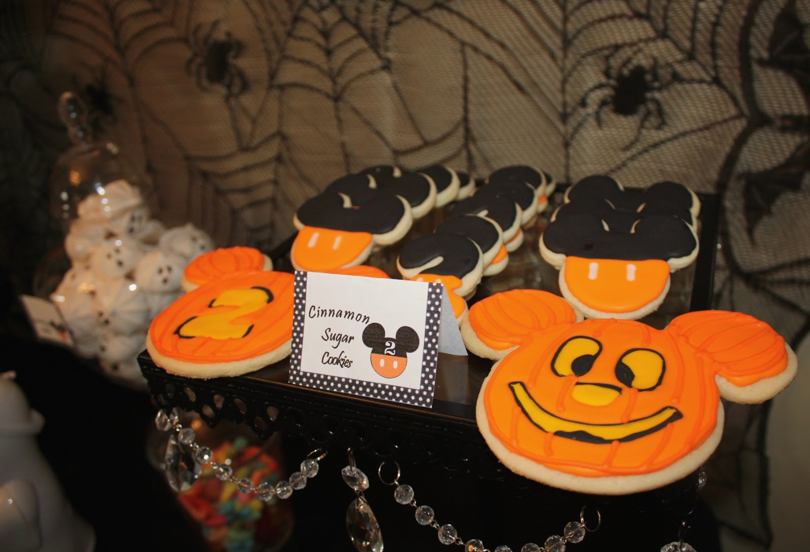 Sweet Eats Cakes: Owen's not so scary Mickey Mouse Halloween Birthday