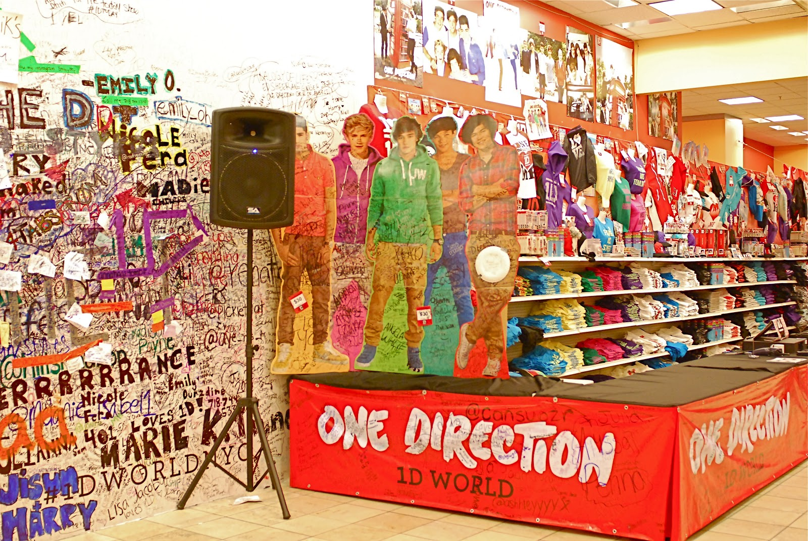 NYC ♥ NYC: 1D WORLD One Direction Pop-Up Store in Manhattan