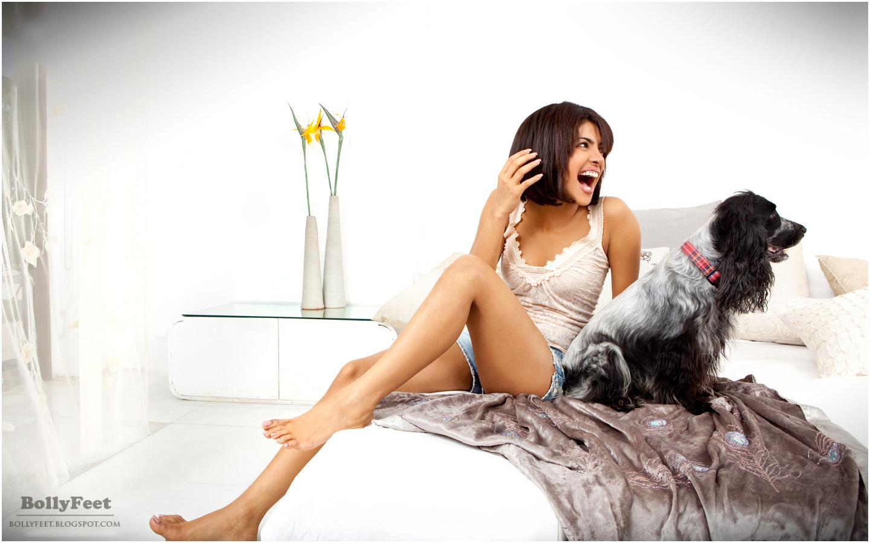 http://3.bp.blogspot.com/-vQi-EHyA83Q/T0OVqf5Ic_I/AAAAAAAADf0/OQicRXC4FoU/s1600/sexy+Priyanka+Chopra+barefoot.jpg