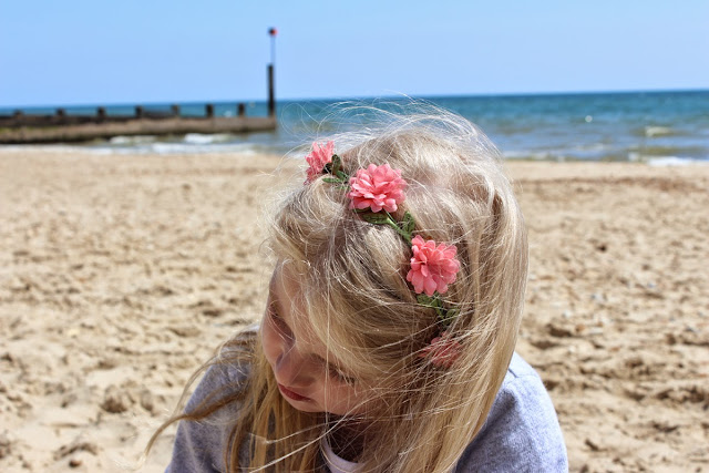 flowers-in-her-hair, todaymyway.com, spring, beach-fun