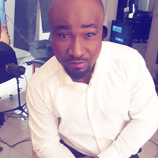Is Harrysong Wearing Makeup Now?