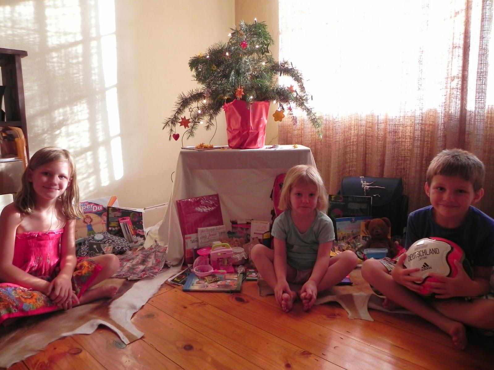 familiebarthel unser leben in s dafrika frohe weihnachten. Black Bedroom Furniture Sets. Home Design Ideas