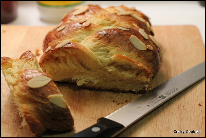 Crafty Cookies: Greek Easter Bread (Tsoureki)