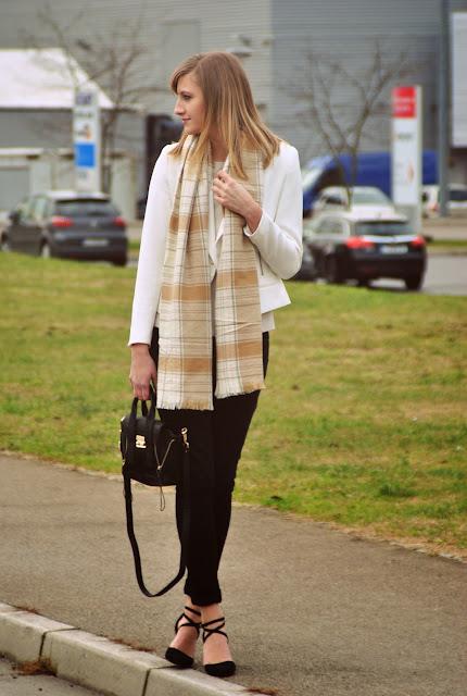 beige tartan scarf, hm tartan scarf, nude beige zara blazer, annaxi mini satchel black, phillip lim lookalike, mini pashli bag, asos strappy heels, fashion blog blogger, style blogger
