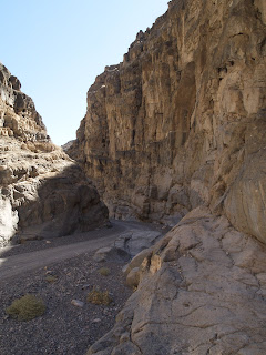 Imagen de la pista que atraviesa Titus Canyon en Death Valley