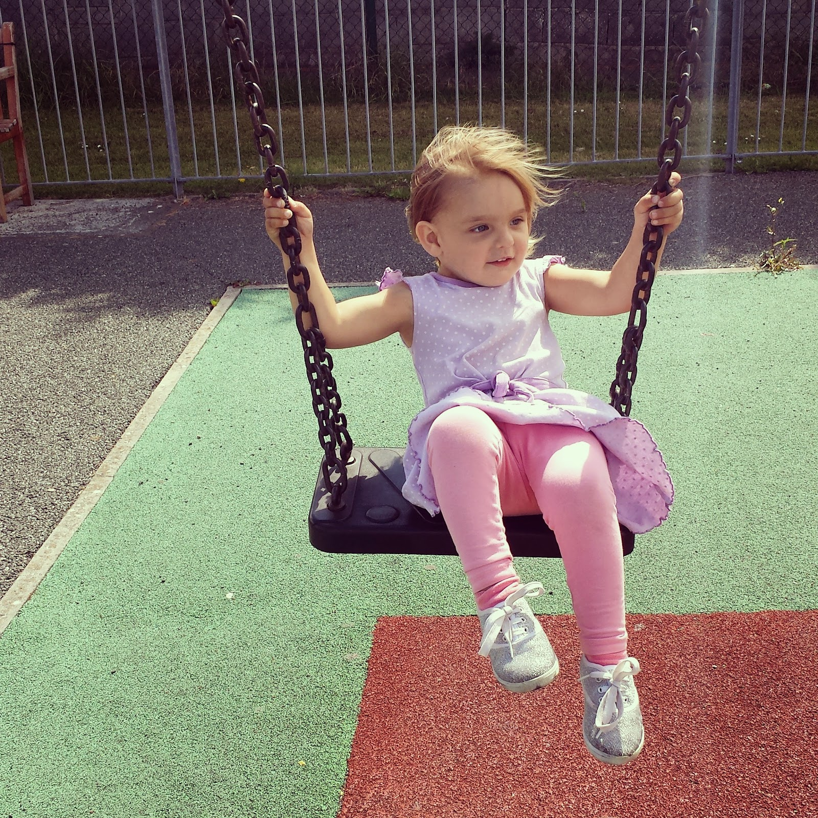 Isabelle swing Park