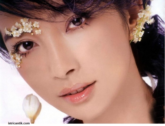 affiliatehibryd wanita asia cantik
