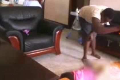 Pengasuh Tertangkap Kamera Aniaya Anak Majikannya