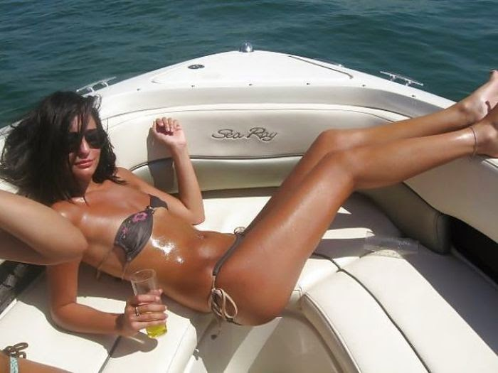 Arab Hot Girls Pool Side Pictures