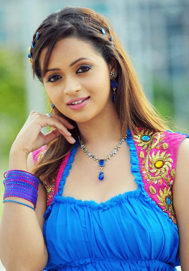 CELEBRITY BEAUTY IMAGES: Bhavava Best Pictures