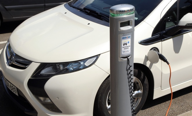 Vauxhall Ampera charging