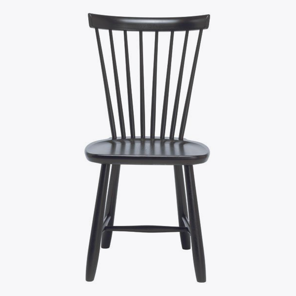 More than 10 Windsor chairs