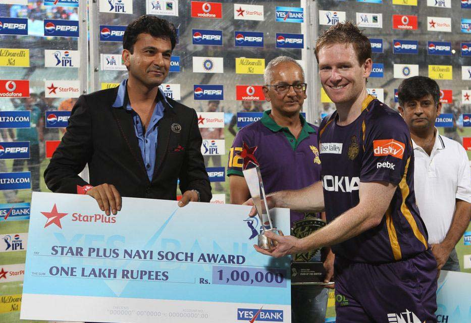 Eoin-Morgan-Star-Plus-award-KKR-vs-KXIP-IPL-2013