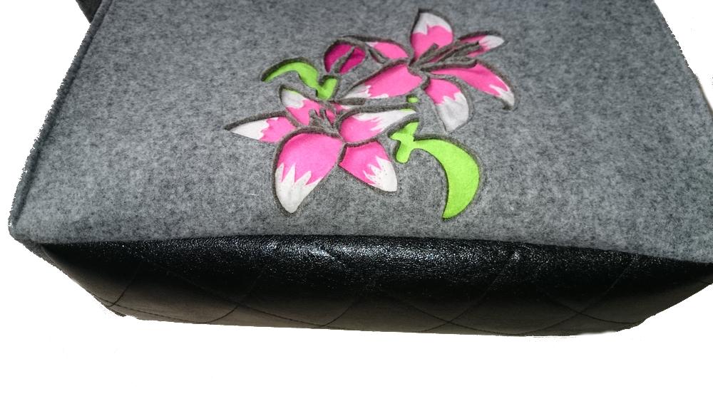 Torba filcowa z kwiatem lilii