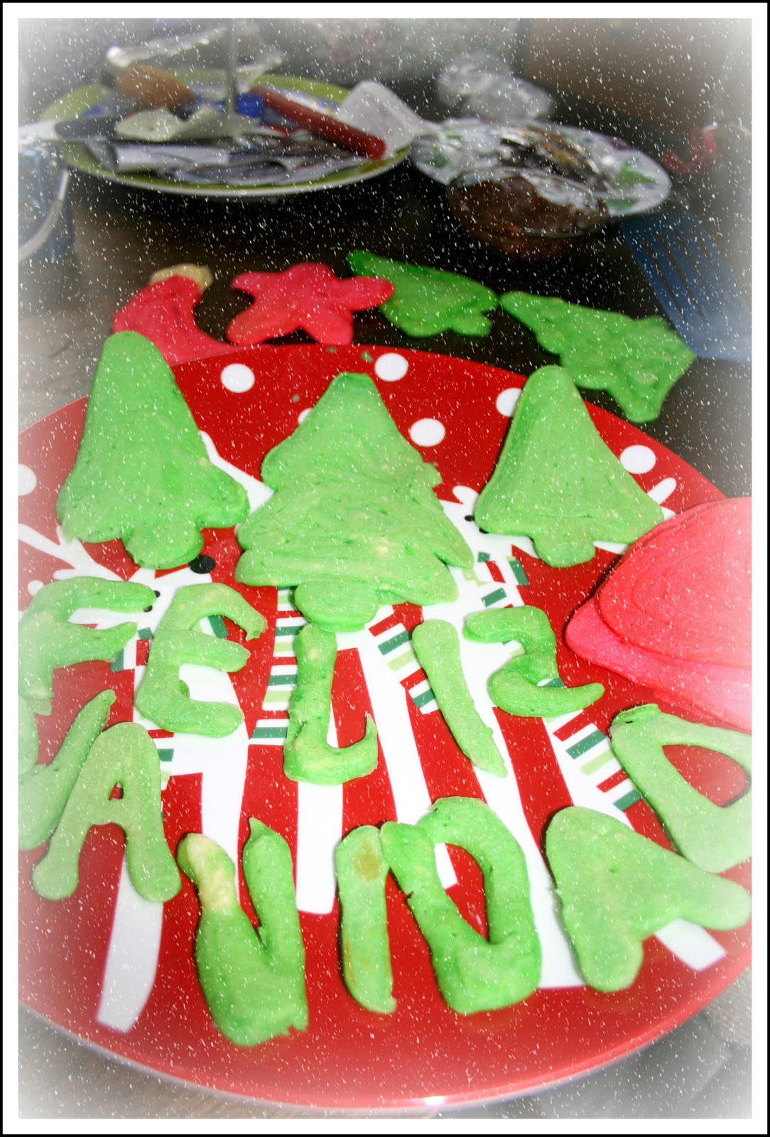 ... Nor a Perfectionist: Squeeze Bottle Christmas Pancake Wonders