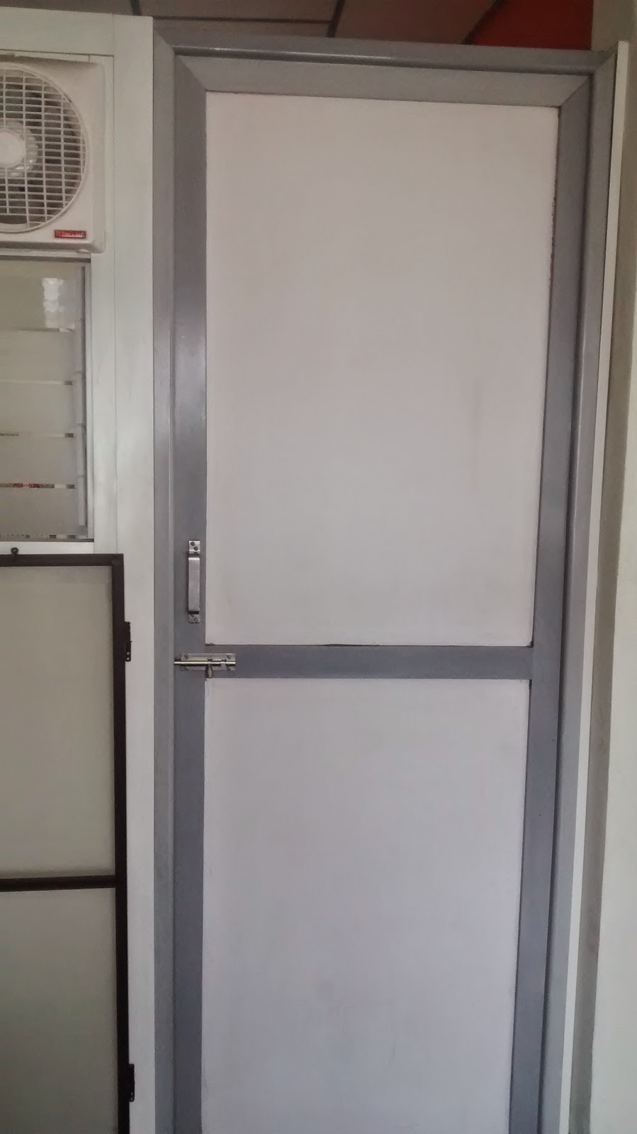 Bathroom doors hyderabad: Aluminium Bathroom Doors, India