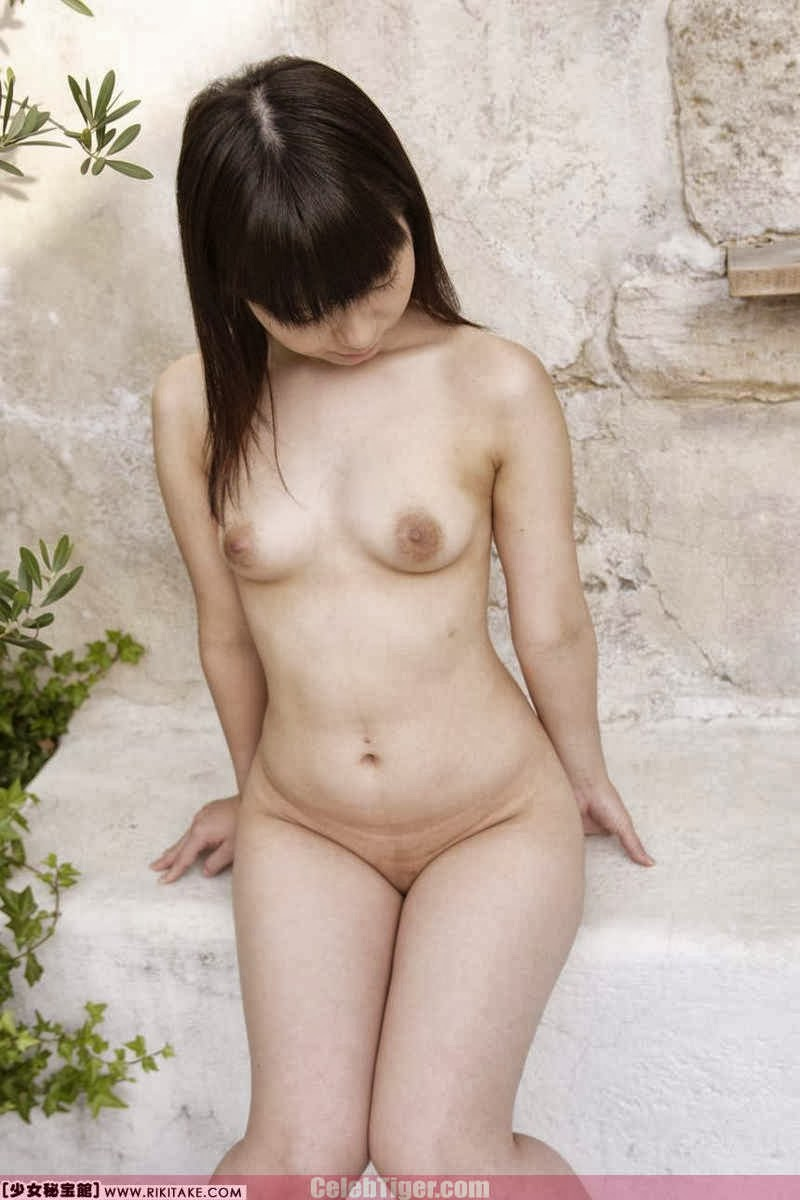 Asian School Girl Tui Kago Nude Outdoor Leaked Photos 2013  www.CelebTiger.com 122 Asian School Girl Yui Kago Nude Outdoor Photos 2013 Part 3