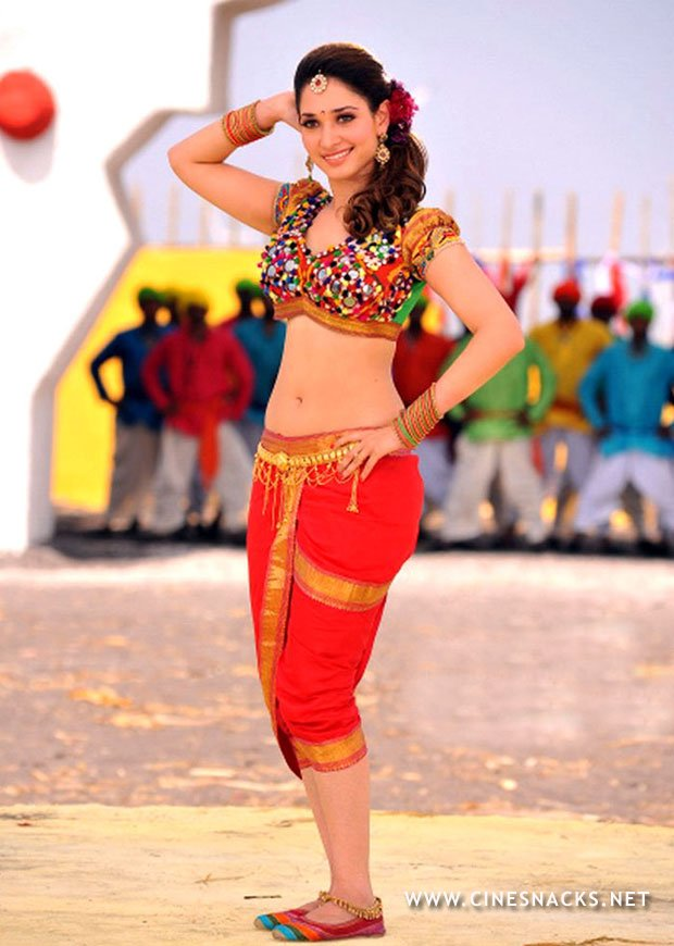 Tamanna bhatia showing navel all red - Tammana Bhatia traditional dress navel show