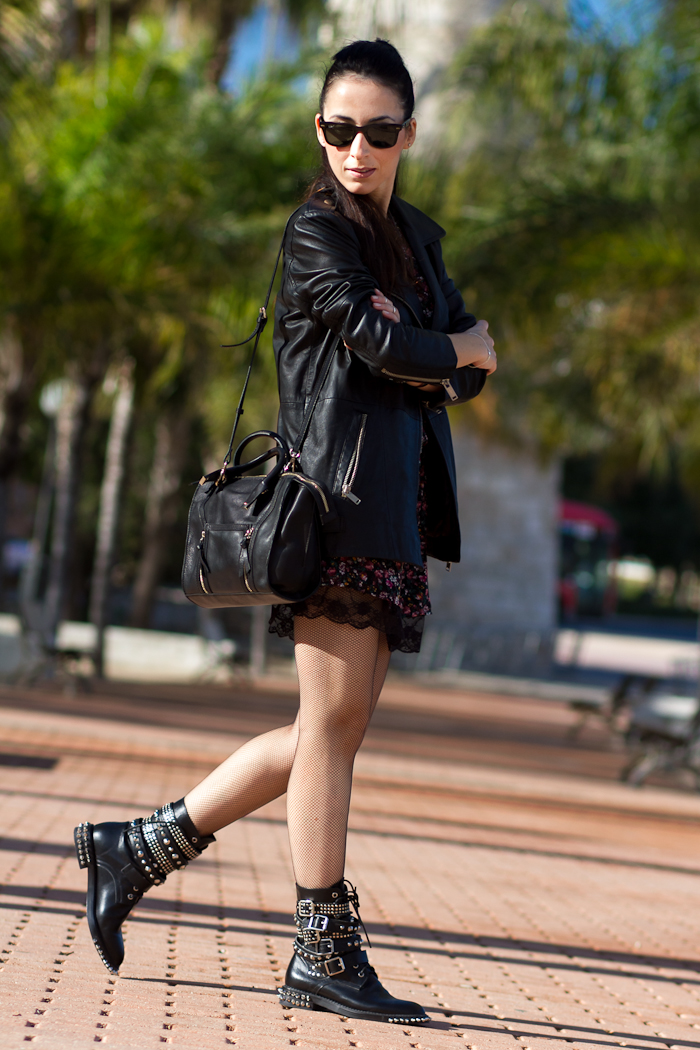 Look in Punk Style with floral dress with lace and spiked and studded boots Fashion Blogger Spain