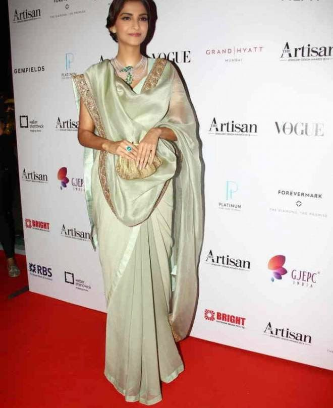 Sonam Kapoor Stills at Artisan Jewellery Design Awards 2015 Photos