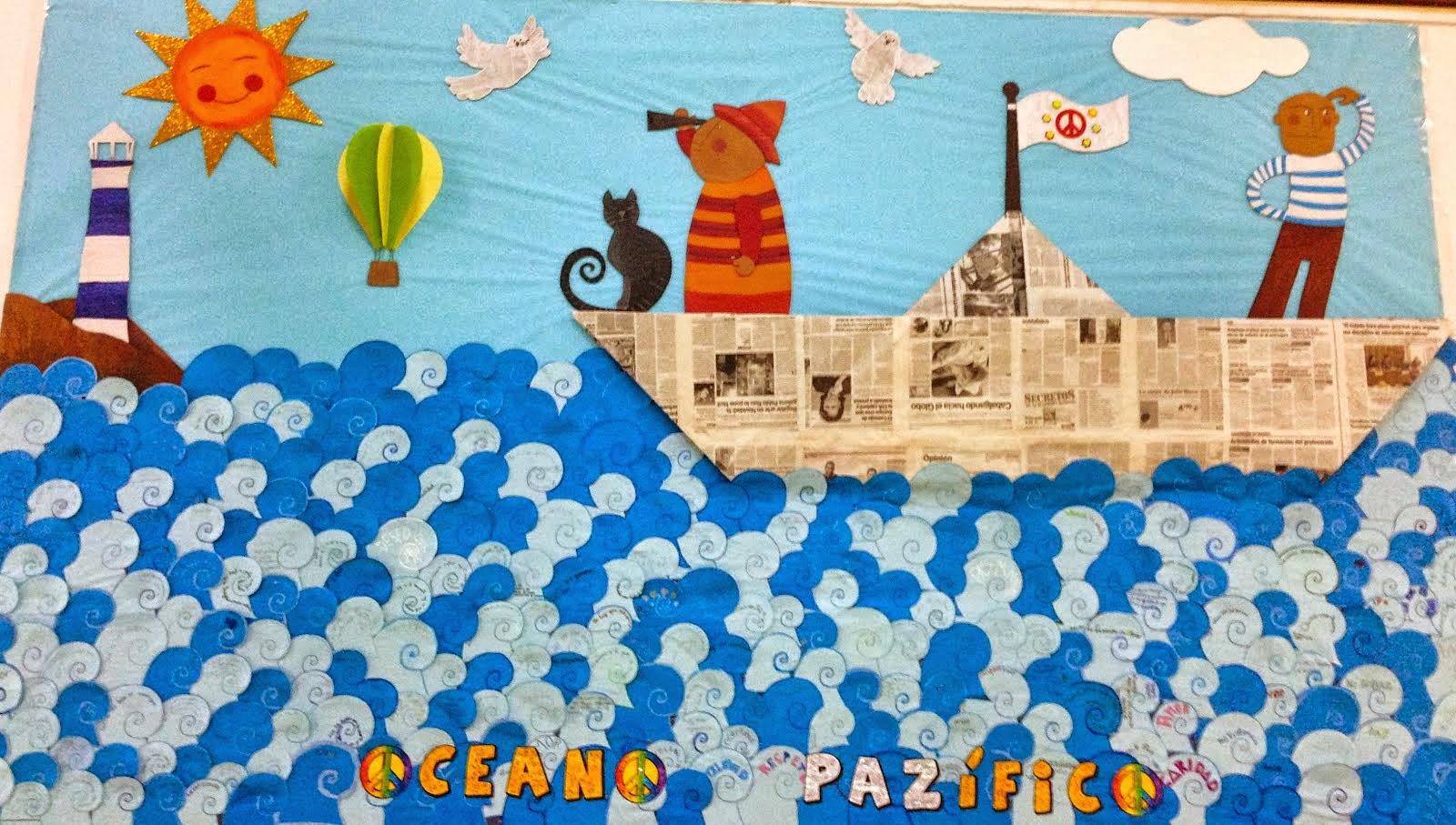 : mural realizado con materiales de desecho (cartón y periódicos