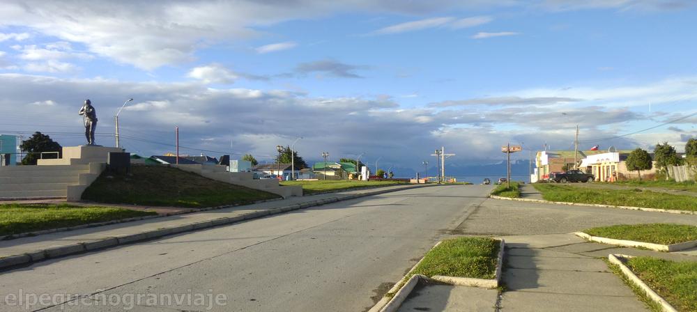 Puerto Natales ciudad, Chile, monumento