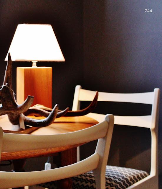 744-cuernos-ciervo-lampara-iroco-sillas-nordico-estilo-sietecuatrocuatro