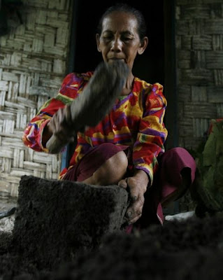 zuangyyn People in this ethnic group often eat Clay