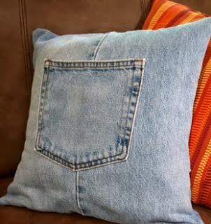 http://translate.googleusercontent.com/translate_c?depth=1&hl=es&rurl=translate.google.es&sl=en&tl=es&u=http://hubpages.com/hub/How-to-Make-a-Throw-Pillow-Cover-with-Recycled-Jeans&usg=ALkJrhgsvi57aqSdLUu6Ozn0INSF1CXJyw