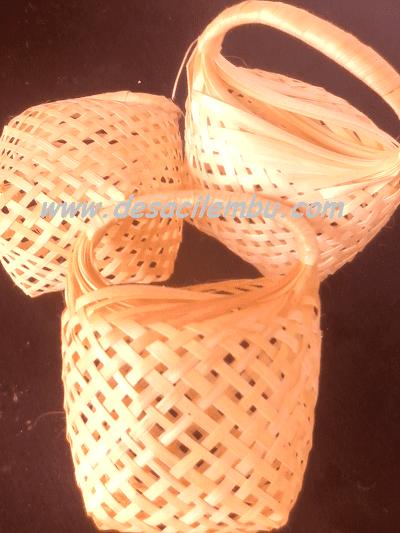 Keranjang bambu dan Gosip Selebritis