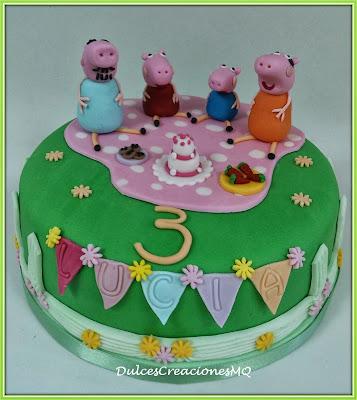 Tarta Pastel  Cake Torta Peppa Pig Cerditos Niña Niño Cumpleaños Aniversario Fondant Pasta de Azúcar Dulce Familia Bizcocho Esponjoso Victoria Sponge Cake Vainilla Dulce de Leche Fresas Cookies